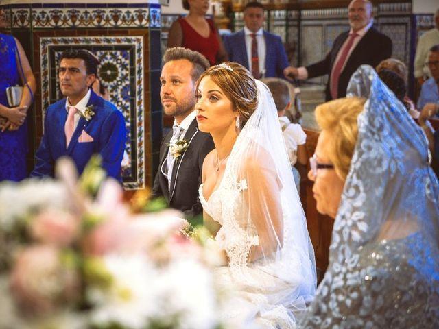 La boda de Macarena y José Antonio en Dos Hermanas, Sevilla 19