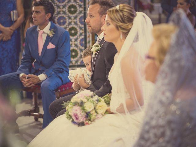 La boda de Macarena y José Antonio en Dos Hermanas, Sevilla 24