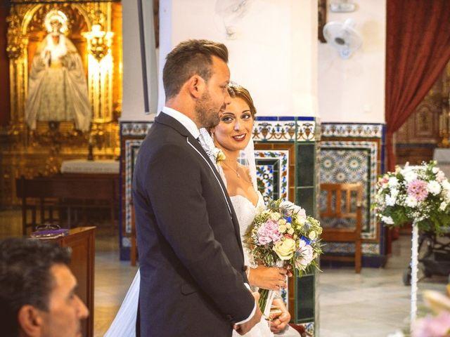 La boda de Macarena y José Antonio en Dos Hermanas, Sevilla 26
