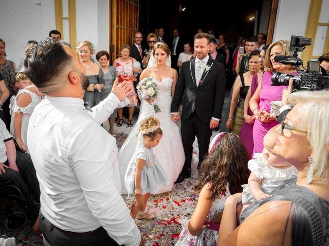 La boda de Macarena y José Antonio en Dos Hermanas, Sevilla 38