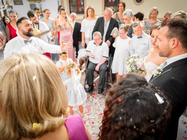 La boda de Macarena y José Antonio en Dos Hermanas, Sevilla 39