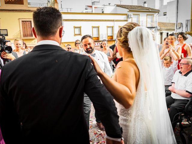 La boda de Macarena y José Antonio en Dos Hermanas, Sevilla 41
