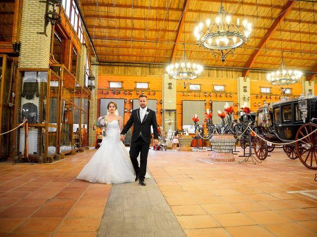 La boda de Macarena y José Antonio en Dos Hermanas, Sevilla 61