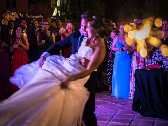 La boda de Macarena y José Antonio en Dos Hermanas, Sevilla 83