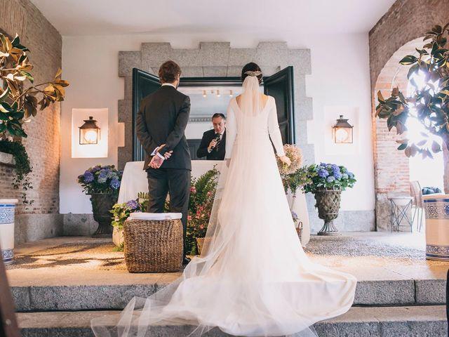 La boda de Álvaro y Adriana en Pozuelo De Alarcón, Madrid 26