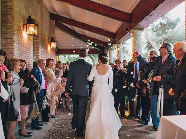 La boda de Álvaro y Adriana en Pozuelo De Alarcón, Madrid 36