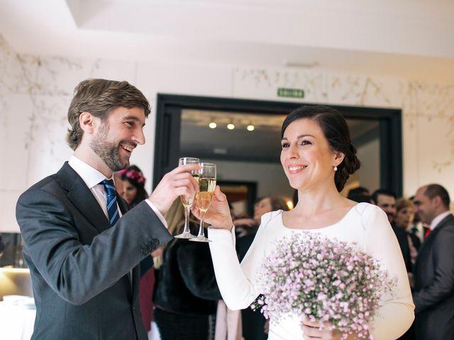 La boda de Álvaro y Adriana en Pozuelo De Alarcón, Madrid 38