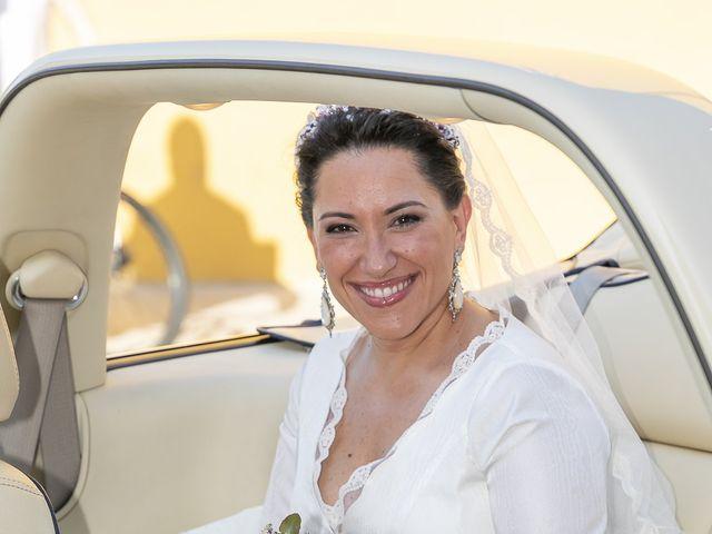 La boda de Miguel Ángel y Mari Trini en Sevilla, Sevilla 12