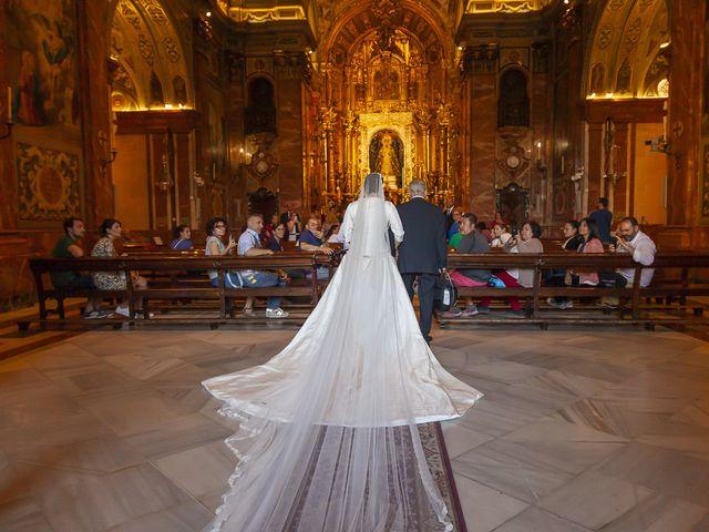 La boda de Miguel Ángel y Mari Trini en Sevilla, Sevilla 18