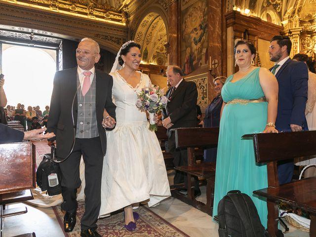 La boda de Miguel Ángel y Mari Trini en Sevilla, Sevilla 19