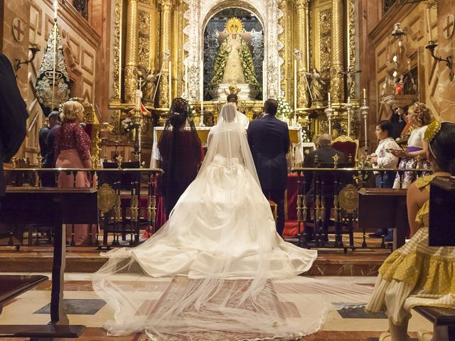 La boda de Miguel Ángel y Mari Trini en Sevilla, Sevilla 20