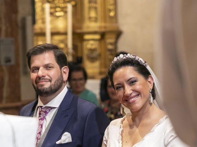 La boda de Miguel Ángel y Mari Trini en Sevilla, Sevilla 22