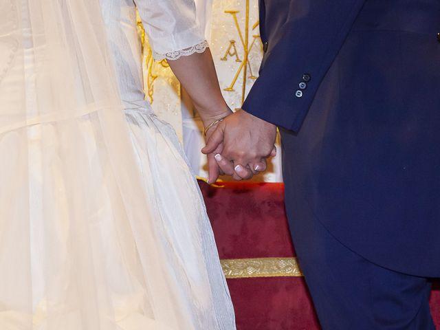 La boda de Miguel Ángel y Mari Trini en Sevilla, Sevilla 25