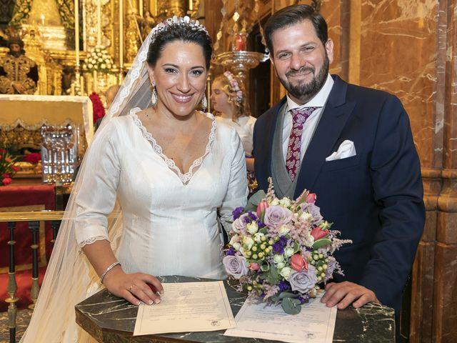 La boda de Miguel Ángel y Mari Trini en Sevilla, Sevilla 31