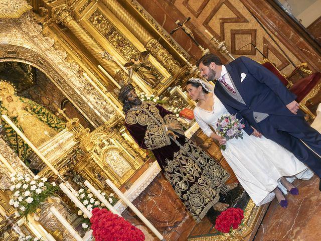 La boda de Miguel Ángel y Mari Trini en Sevilla, Sevilla 32