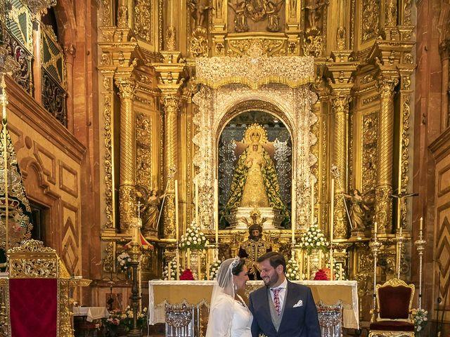 La boda de Miguel Ángel y Mari Trini en Sevilla, Sevilla 34