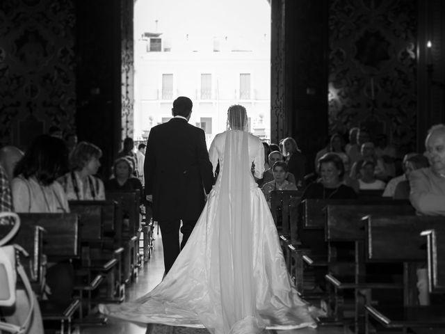 La boda de Miguel Ángel y Mari Trini en Sevilla, Sevilla 36