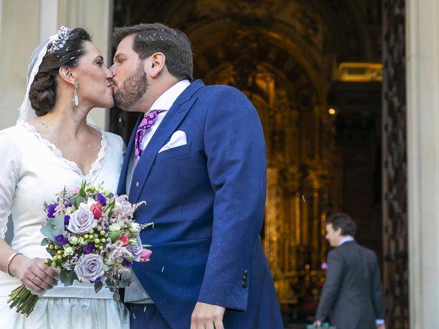 La boda de Miguel Ángel y Mari Trini en Sevilla, Sevilla 41