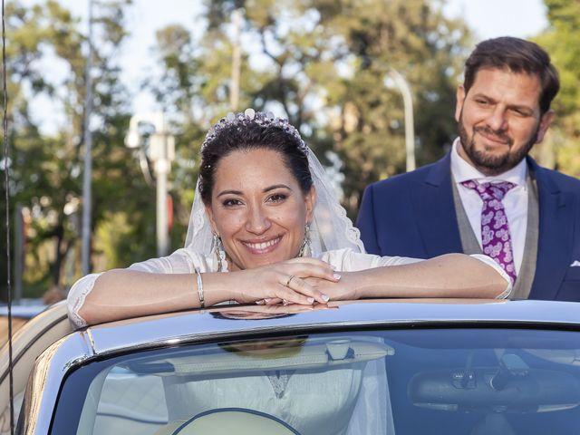 La boda de Miguel Ángel y Mari Trini en Sevilla, Sevilla 46