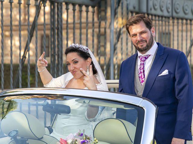La boda de Miguel Ángel y Mari Trini en Sevilla, Sevilla 49