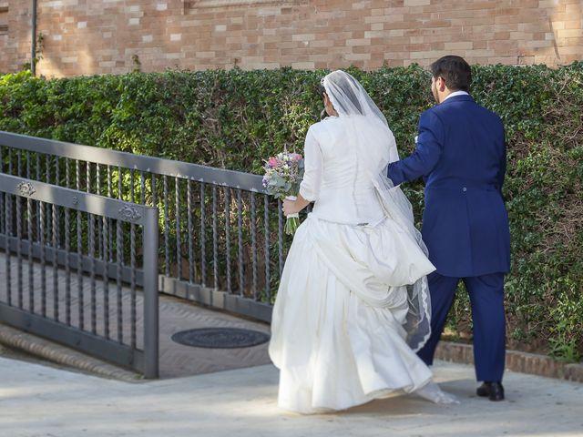 La boda de Miguel Ángel y Mari Trini en Sevilla, Sevilla 51