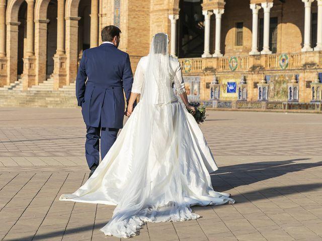 La boda de Miguel Ángel y Mari Trini en Sevilla, Sevilla 56