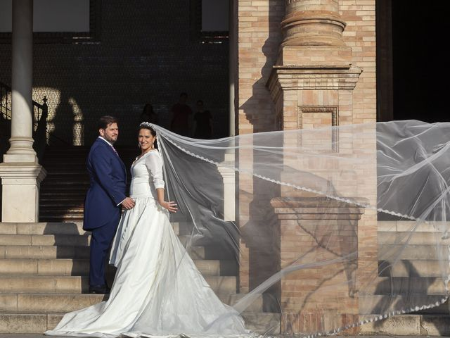 La boda de Miguel Ángel y Mari Trini en Sevilla, Sevilla 58
