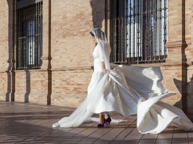 La boda de Miguel Ángel y Mari Trini en Sevilla, Sevilla 67