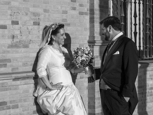 La boda de Miguel Ángel y Mari Trini en Sevilla, Sevilla 74