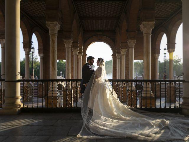 La boda de Miguel Ángel y Mari Trini en Sevilla, Sevilla 81