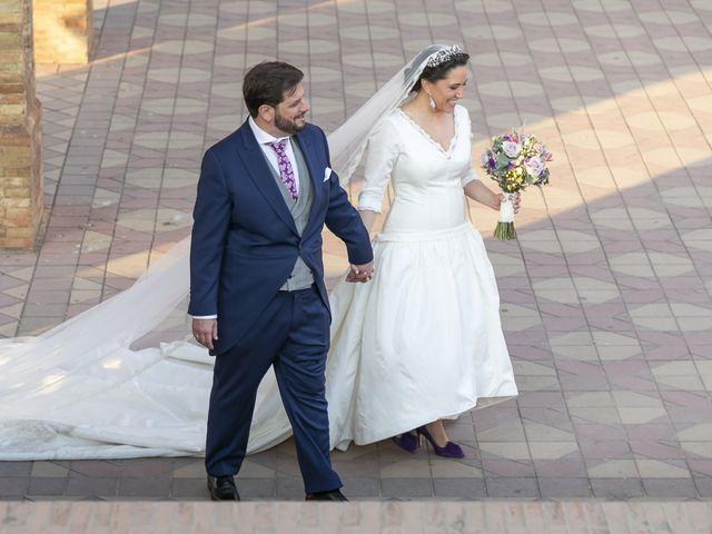 La boda de Miguel Ángel y Mari Trini en Sevilla, Sevilla 85