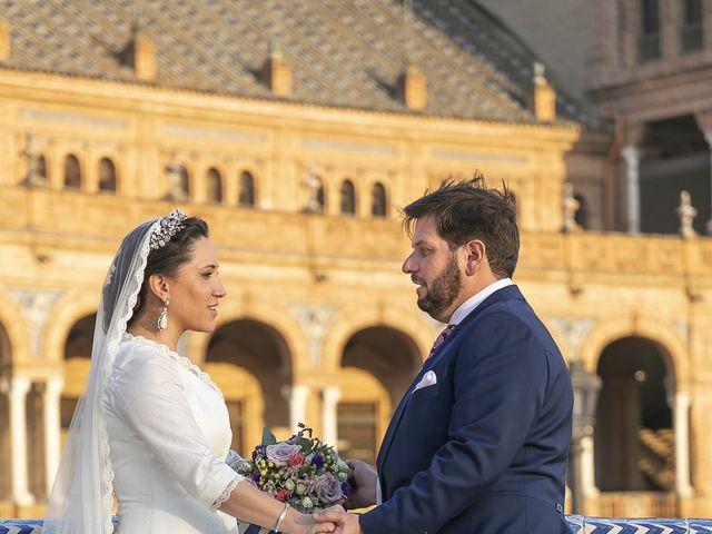 La boda de Miguel Ángel y Mari Trini en Sevilla, Sevilla 86