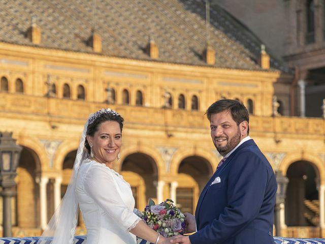 La boda de Miguel Ángel y Mari Trini en Sevilla, Sevilla 1
