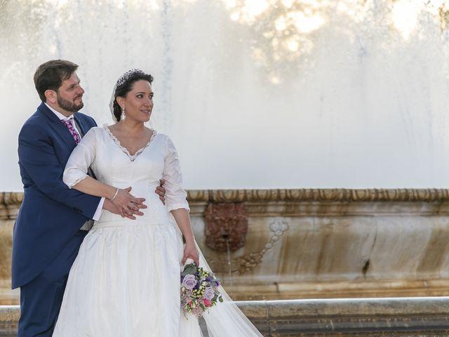 La boda de Miguel Ángel y Mari Trini en Sevilla, Sevilla 92