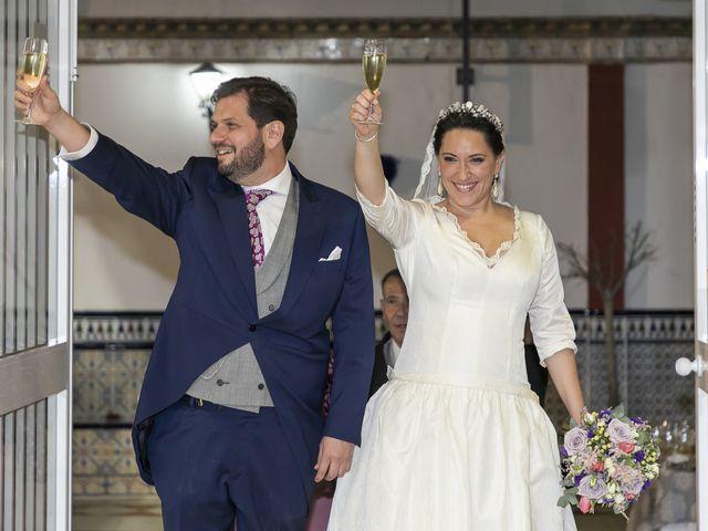 La boda de Miguel Ángel y Mari Trini en Sevilla, Sevilla 99