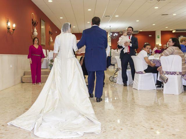La boda de Miguel Ángel y Mari Trini en Sevilla, Sevilla 100