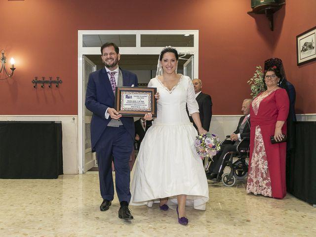 La boda de Miguel Ángel y Mari Trini en Sevilla, Sevilla 101