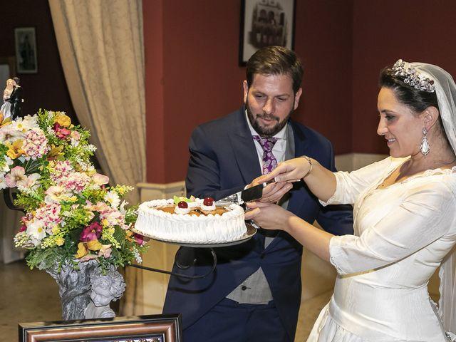 La boda de Miguel Ángel y Mari Trini en Sevilla, Sevilla 104