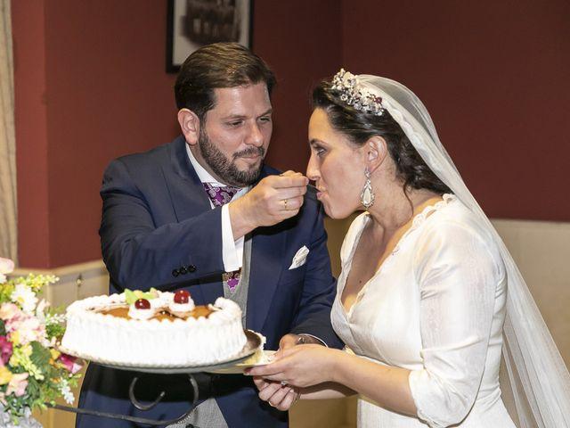La boda de Miguel Ángel y Mari Trini en Sevilla, Sevilla 106