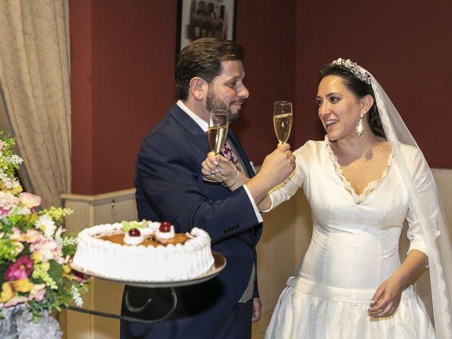 La boda de Miguel Ángel y Mari Trini en Sevilla, Sevilla 110