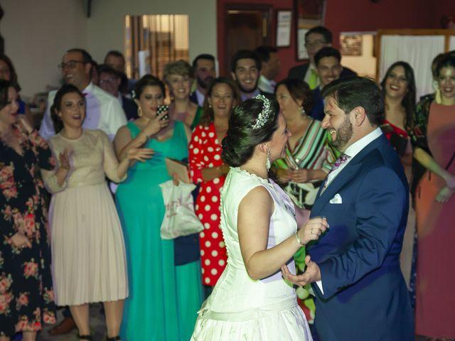 La boda de Miguel Ángel y Mari Trini en Sevilla, Sevilla 112