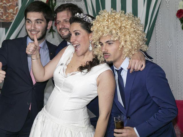 La boda de Miguel Ángel y Mari Trini en Sevilla, Sevilla 119
