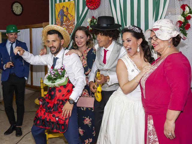 La boda de Miguel Ángel y Mari Trini en Sevilla, Sevilla 121
