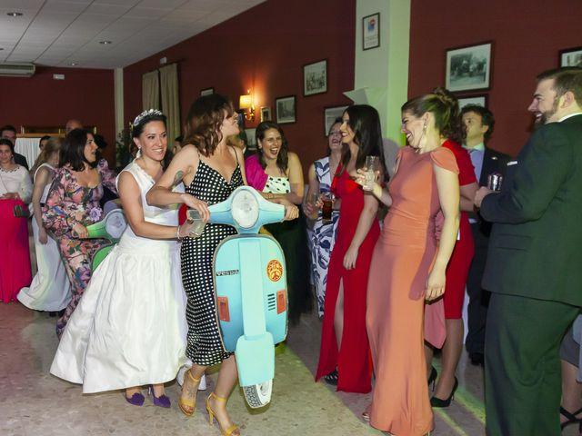 La boda de Miguel Ángel y Mari Trini en Sevilla, Sevilla 122
