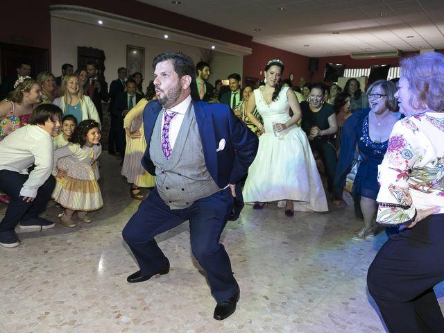 La boda de Miguel Ángel y Mari Trini en Sevilla, Sevilla 123
