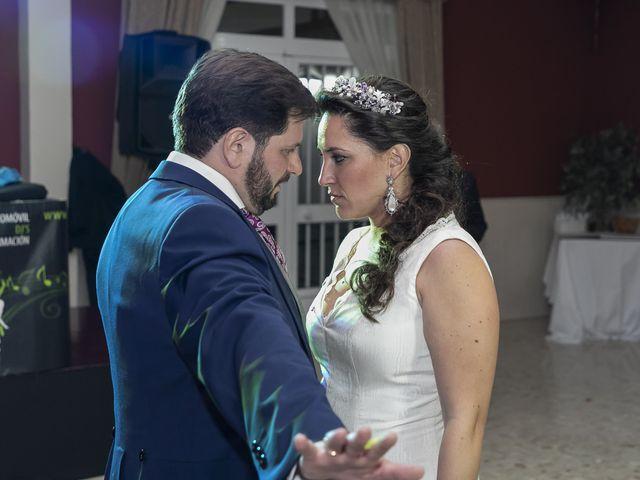 La boda de Miguel Ángel y Mari Trini en Sevilla, Sevilla 129