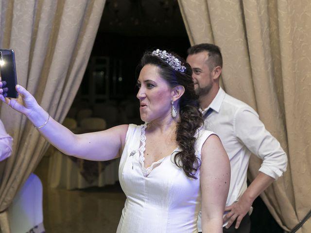 La boda de Miguel Ángel y Mari Trini en Sevilla, Sevilla 133