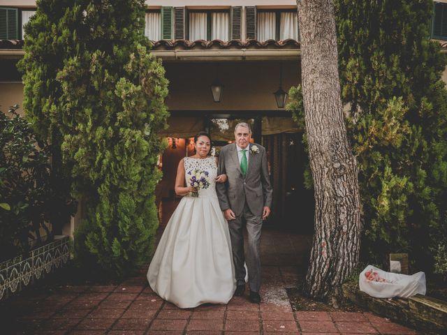 La boda de Baldiri y Isabel en Castelldefels, Barcelona 39