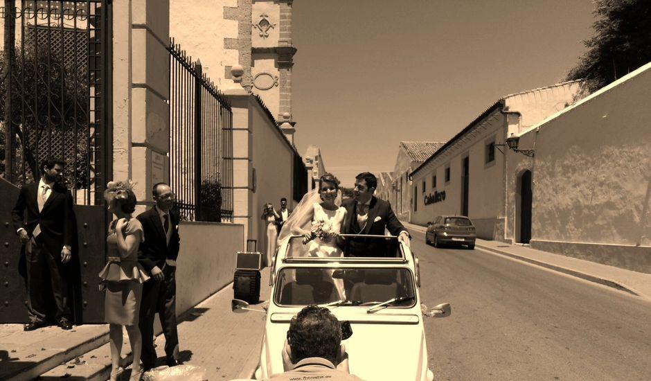 La boda de Jorge y Elvira en El Puerto De Santa Maria, Cádiz