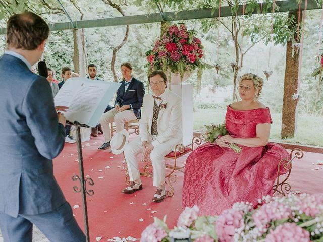 La boda de Nicolás y Marina en Redondela, Pontevedra 53